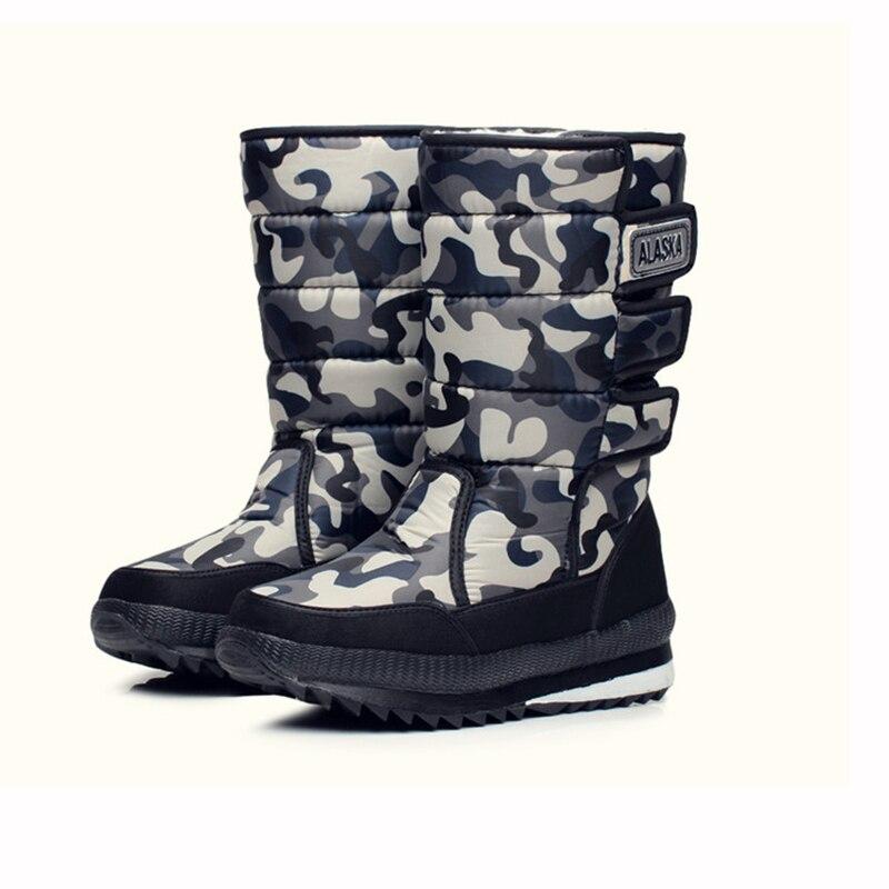 Botas de esquí antideslizantes para hombre 2018 nuevas botas de esquí impermeables  zapatos de invierno al aire libre cálido tubo largo camuflaje botas de ... 9dfc08247b55b