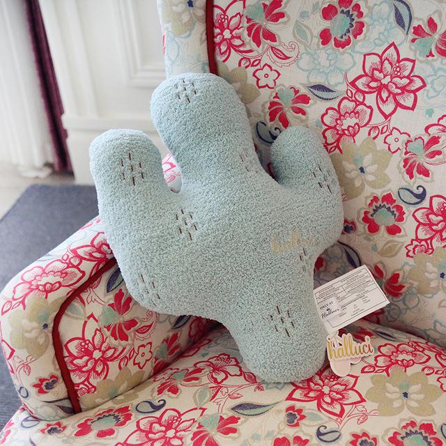 Frete Grátis 2017 Novo brinquedo de pelúcia Plantas cactus travesseiro segurar travesseiro Cintura travesseiro Fino para aniversário Natal presente de ano novo