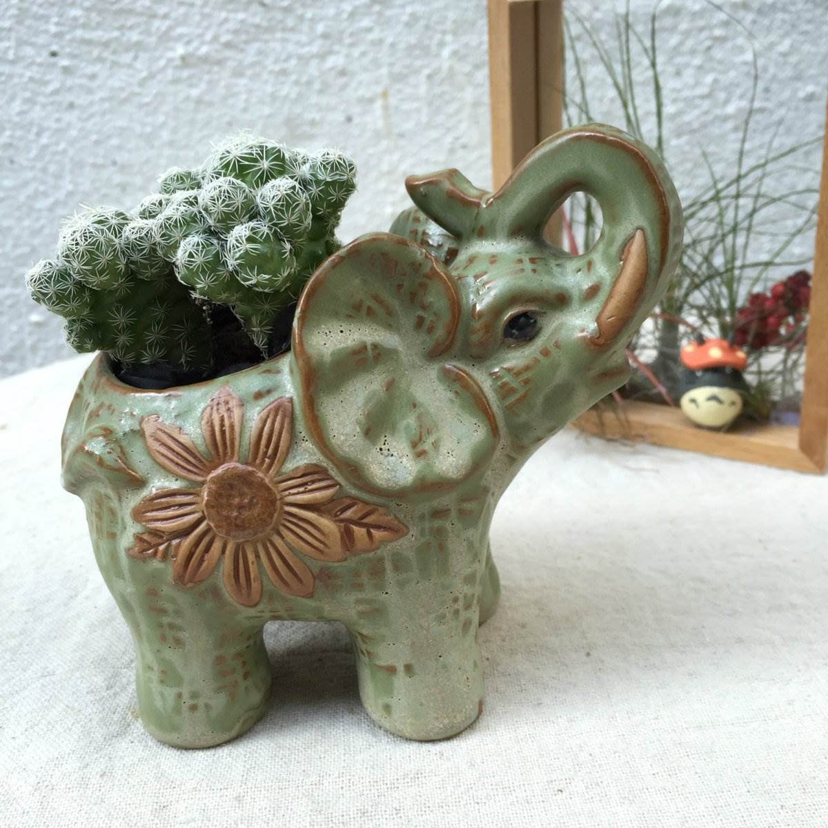 small animal ceramic elephant flower pots planter cacti. Black Bedroom Furniture Sets. Home Design Ideas