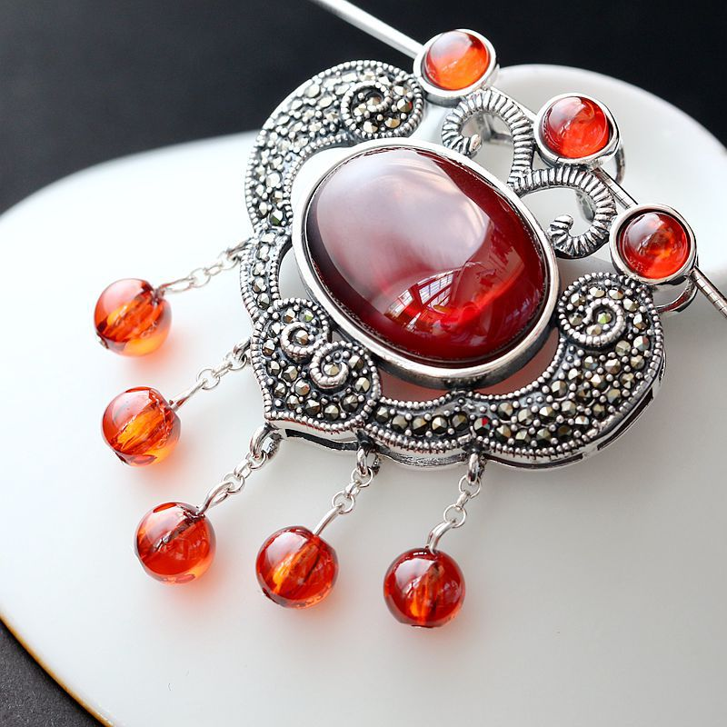with pomegranate red zirconium 925 sterling silver pendant retro Thai silver pendant silver lock pendant 925 sterling silver pendant thai silver natural green agate pendant locket female ruby pendant