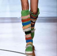 Новая мода Элитный бренд Радуга Цвет ботинки с высоким голенищем пряжки Декор Обувь с боковой молнией разноцветные сапоги до колена Горяча
