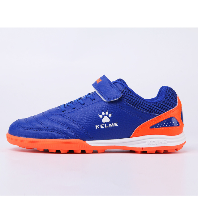 10f06bd85 KELME 2018 Outdoor Indoor Sports Soccer Shoes For Children Kids TF nail  shoes artificial grass soccer training shoes 68833133