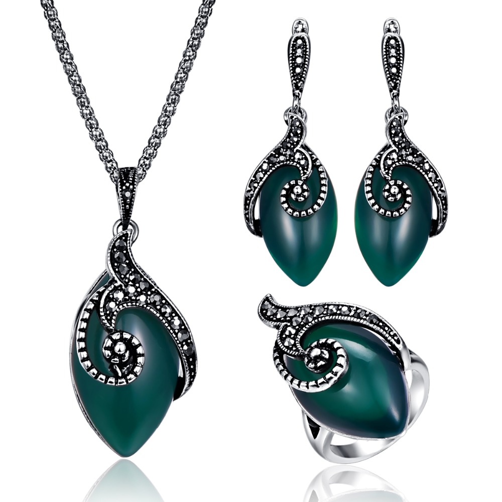 Vintage Green Jewelry Sets...