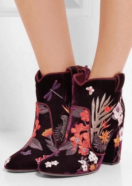 все цены на Autumn Fashion Embroidery Flowers Women Round Toe Ankle Boots Elegant Velvet Wine Red Color Ladies Knight Boots Chunky Heels