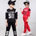 Muchachos que arropan el sistema chicas ropa de deporte juego de los niños ropa de las muchachas niño otoño traje de niño trajes de ropa para niños set escudo 2017