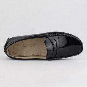 Image 3 - Novas Mulheres de Design Sapatos Baixos Mulheres de Couro Pu Apartamentos Sapatos de Couro de Condução Sapatos Mocassins Macio E Confortável Moda Casual