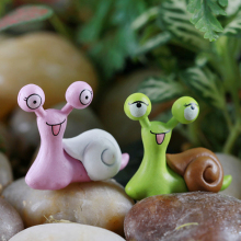 1 pcs Smile Snails Model Kawaii Plastic Crafts Cartoon Mini Garden Miniatures Home Decoration NB0209