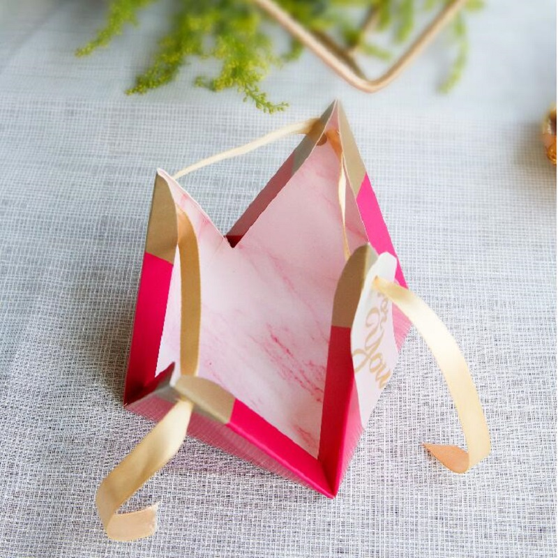 100pcs Rose Red Triangular Pyramid Style Candy Box Wedding Favors Party Supplies Paper Gift Boxes with THANKS Card Chocolate Box package (6)