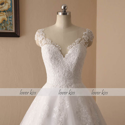 Lover Kiss Vestido De Noiva 2018 V-neck Bridal Ball Gowns Sleeveless Wedding Dresses Lace Appliques Body Real Image robe mariage 4