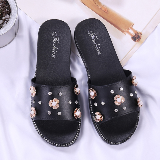 fabcc261e2a 2018 Women Slippers Summer Beach Slippers Flip Flops Sandals Women Pearl  Fashion Slippers Ladies Flats Shoes Free shipping