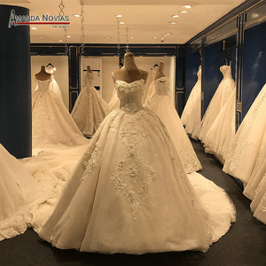 Image 1 - 2019 New Arrival Big Trail Sweetheart Unique Lace Wedding Dress Amanda Novias Real Pictures