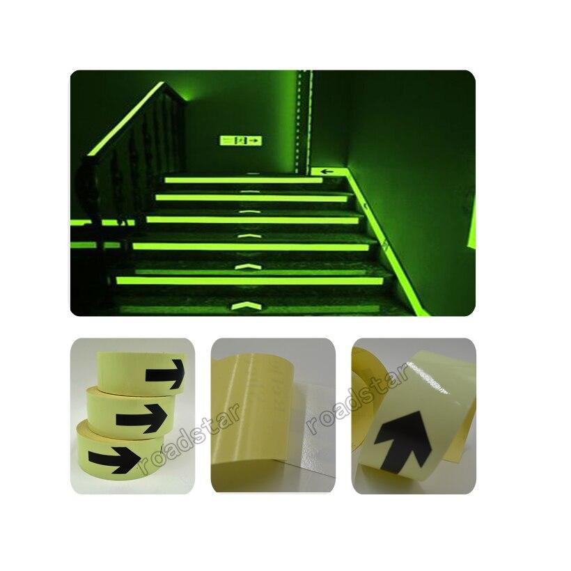 50mm X 50 M imperméable à l'eau Photoluminescent PET signe sortie signe ruban lumineux