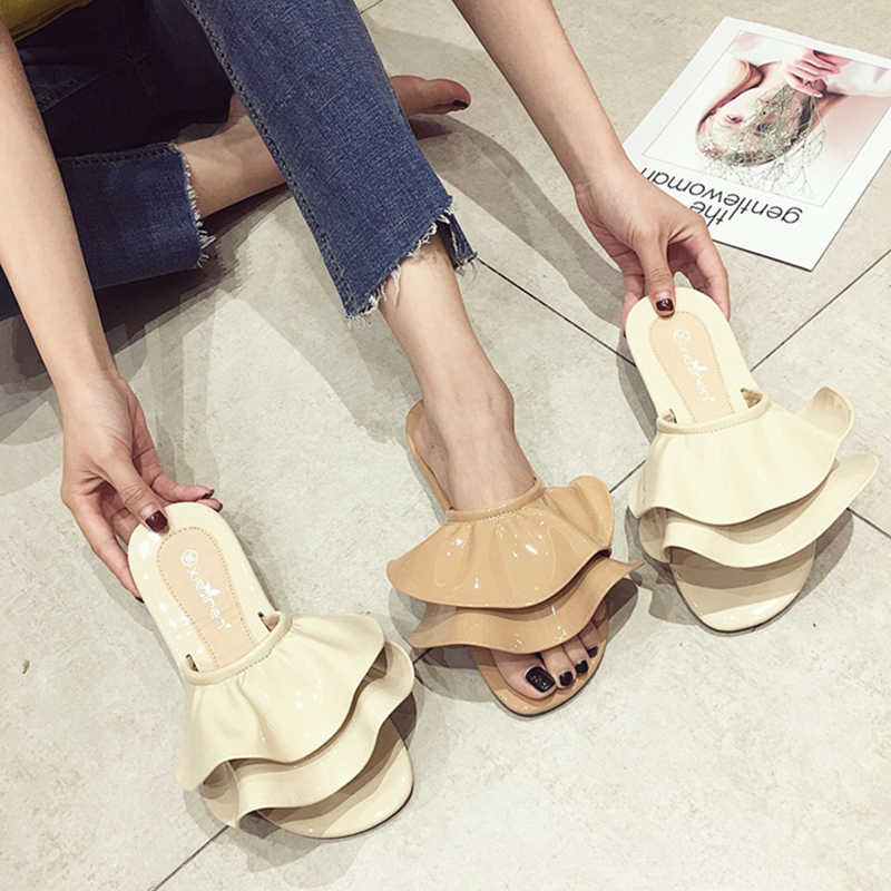 Japanned leather ruffles summer flip flops woman trend girls pleated open toe flat slippers cute two pieces ruffle slides sandal