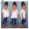 Новая Мода Девушки Платье Белого Кружева Рубашки Жилет И Джинсы Брюки 3 шт. Девочки Комплектов Одежды В Европе И Америке Стиль Костюм