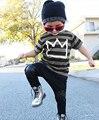 Moda niños bebés ropa 2016 nuevos niños del muchacho corona Top camisa a rayas camiseta y pantalón 2 unids Outfit niños Set