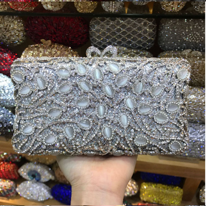 все цены на Golden pearl Beaded Women Evening Minaudiere Metal Clutches Bag Crystal Wedding Party Purse Bridal Handbag Clutch wallet silver онлайн