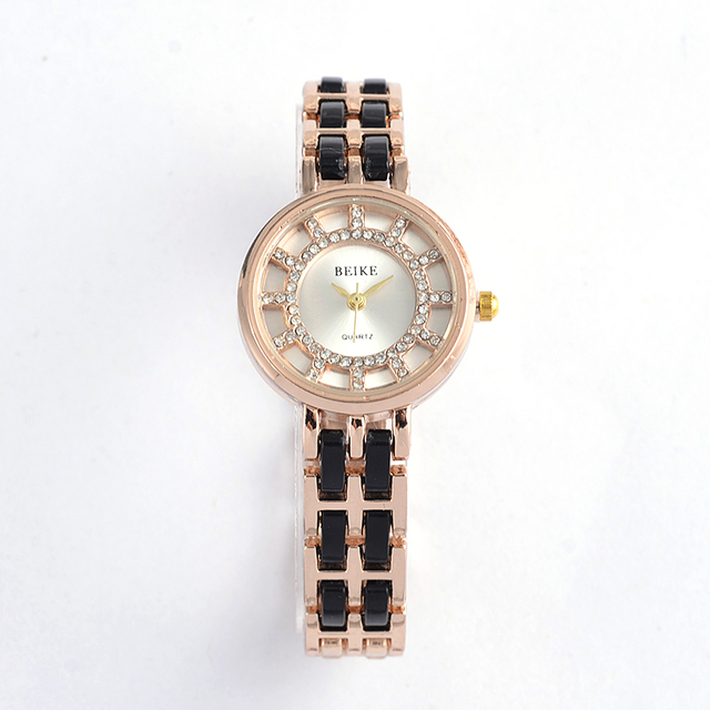 2018 Luxury Brand Bracelet Watches High Quality Shinning Upstart Steel Women Watches Rhinestone Designer Ladies Dress Watch