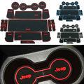 Antiderrapante Para Jeep Compass Patriot 2011-2014 Palavras LOGOTIPO em Adesivos de carro Porta Interior Copo Mat Ranhura Portão Pad Ranhura carro-Styling