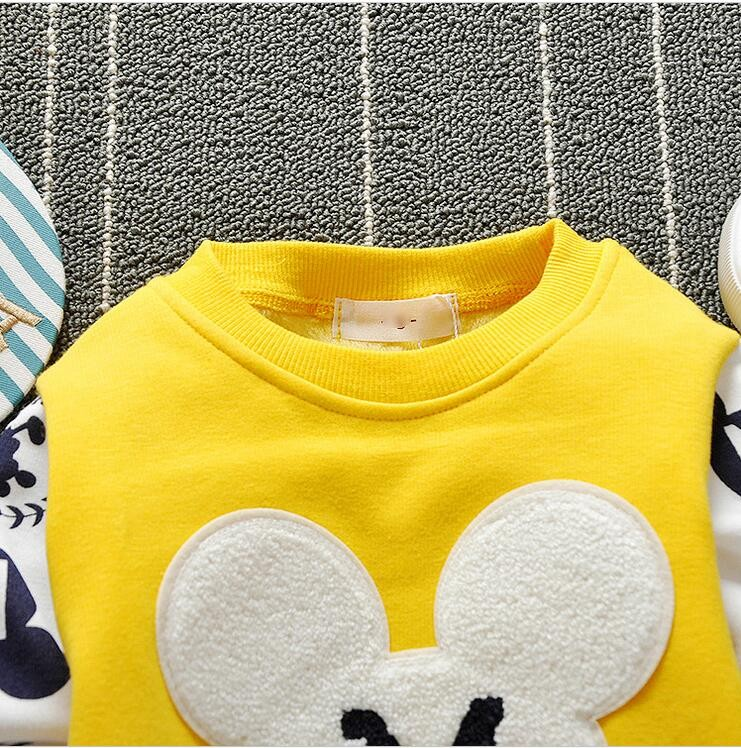 The new cartoon pattern fashion 0-2 year-old male and female baby long-sleeved clothes + free gifts 6