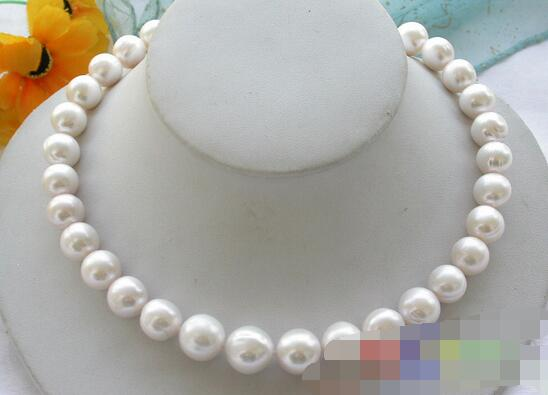 Free shipping ROUND 10-11mm  white freshwater PEARL NECKLACE 18inch