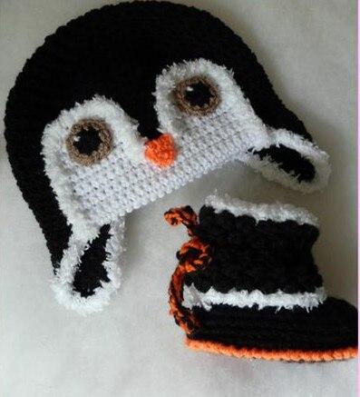 Chaussure et chapeau de pingouin au crochet pour bébé