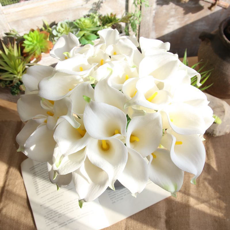 PU Leather Calla Artificial Flower Branch Holding Wedding Decoration Supplies Home Bedroom Living Room Plants Craft Fake Flowers in Artificial Dried Flowers from Home Garden