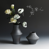 Classic Black Ceramic Vase Modern Chinese Vase Simple Retro Vase Container Creative Home Decoration Ornament