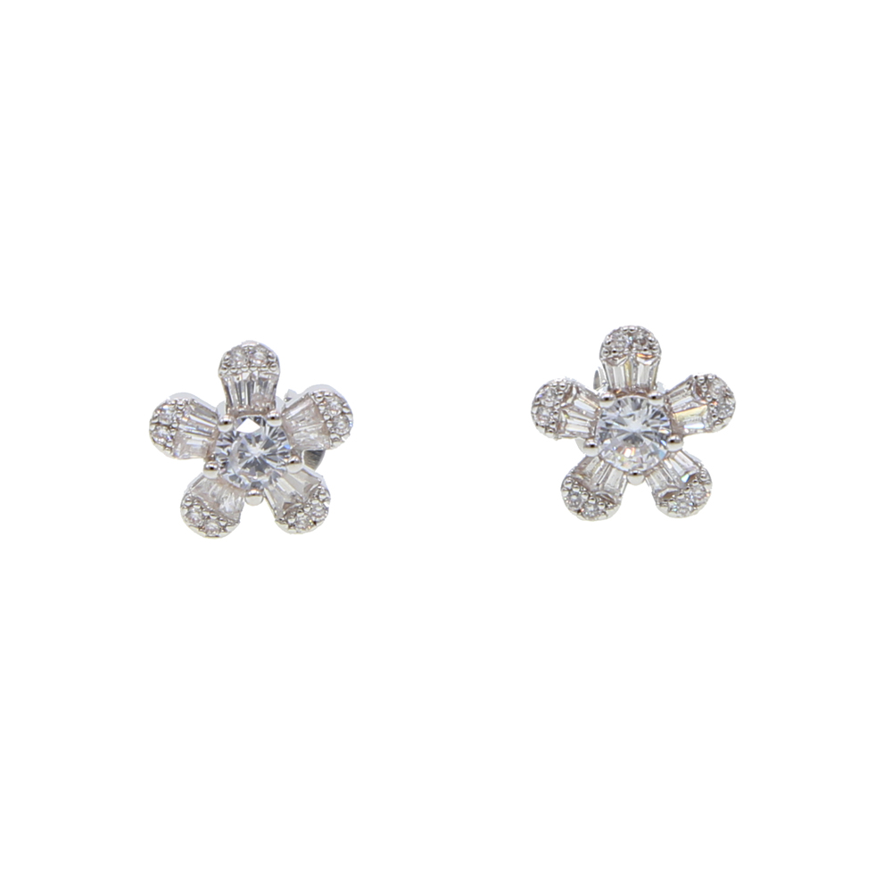 2019 Delicate Romantic White Flower Stud Earrings With
