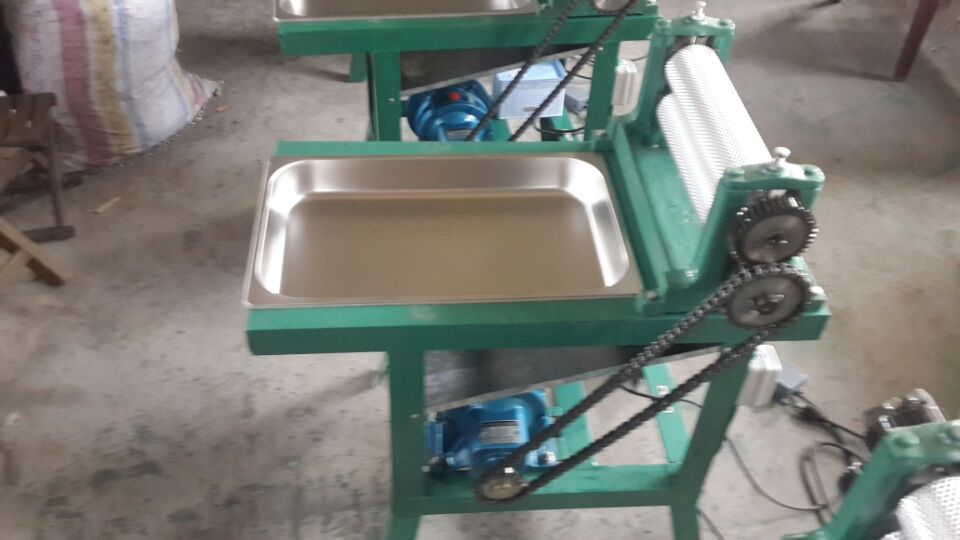 High quality 86*250mm Electric beeswax comb foundation sheet mill