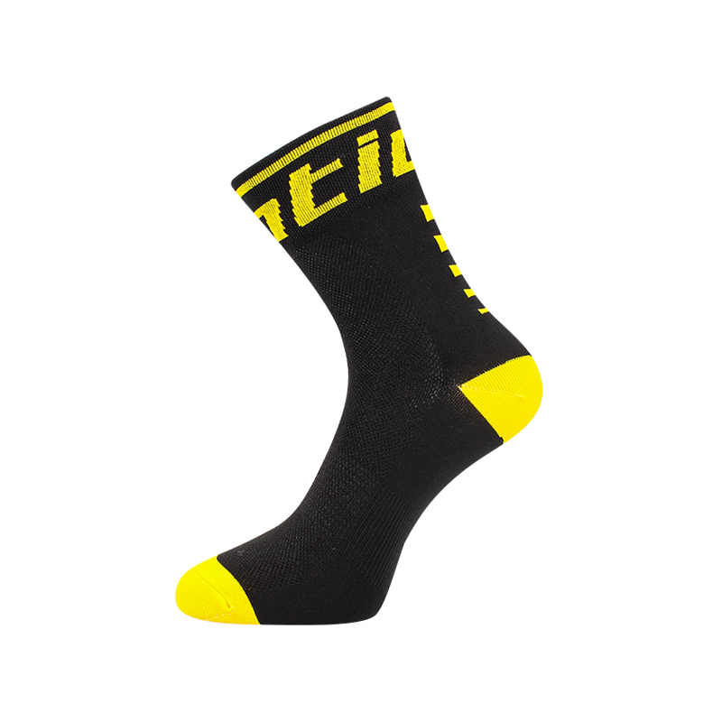 HTB1ydtMguOSBuNjy0Fdq6zDnVXa8 - Santic Sport Cycling Socks Breathable Anti-sweat Basketball Socks Running Hiking Men Socks