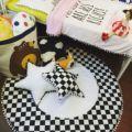 Moda preto e branco grade estrela forma almofada travesseiro crianças decoração do quarto fundamento do bebê do bebê do algodão presente decorativo para bebês