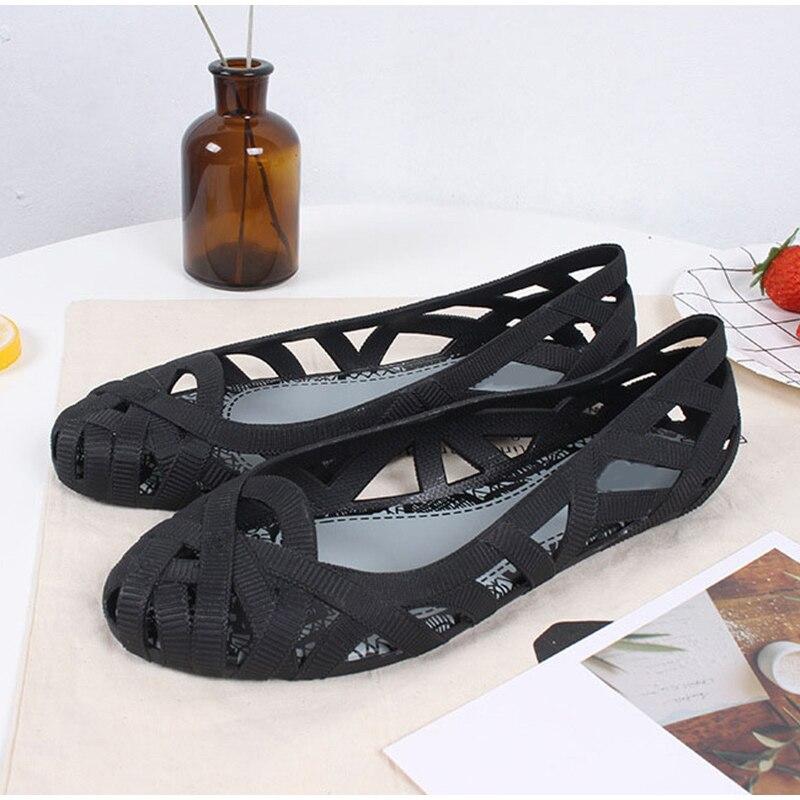 9318fdea Zapatos de mujer de talla grande zapatos planos de diamantes de imitación  ligeros transpirables para mujer mocasines casuales de lona calzado  femenino 2018