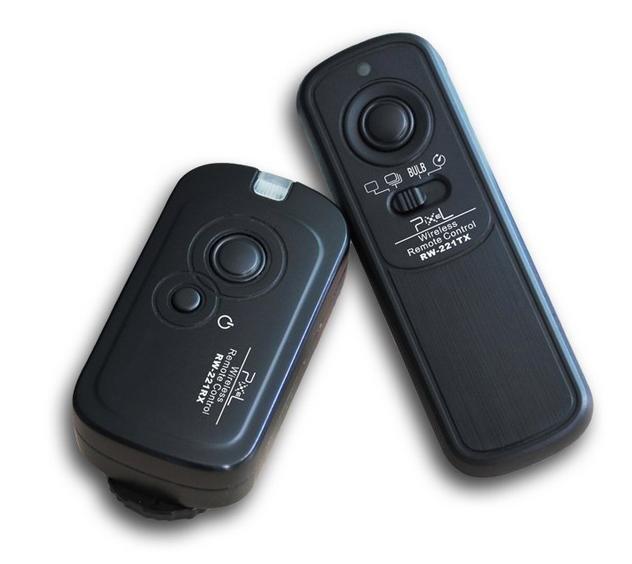 Pixel RW-221 Wireless Shutter Remote for Nikon D800 D700 D300 D200 D3s