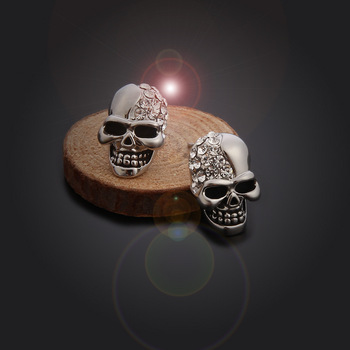 Skull Rhinestone Stud Earrings4