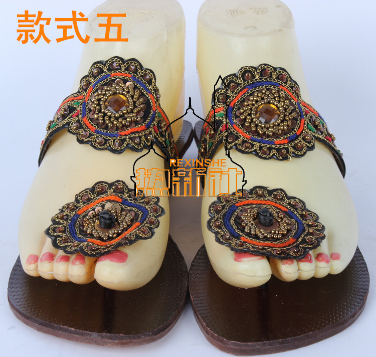 52ff951f5f1c5 Pakistani Indian Nepal Roman Leather Hand Made Embroidered Slippers Sandals  Kolhapuri Chappal Women Flip Flops with Sequins-in Women s Sandals from  Shoes on ...