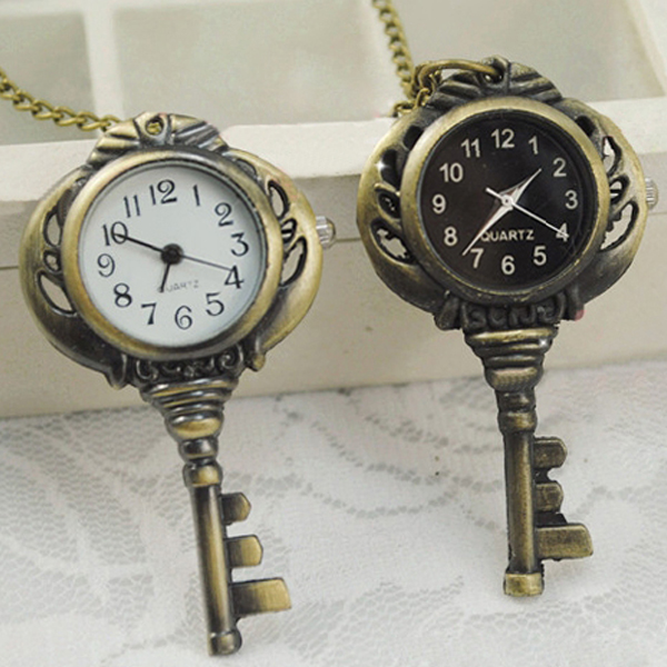 Retro Vintage Bronze Tone Quartz Key Shaped Pendant Pocket Watch Chain Necklace LXH old antique bronze doctor who theme quartz pendant pocket watch with chain necklace free shipping