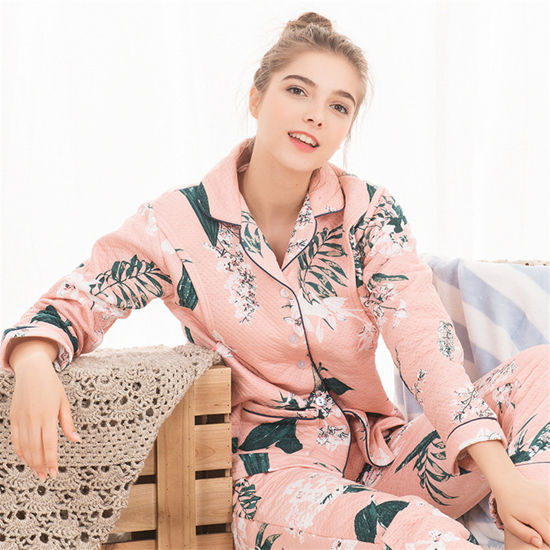 2018 New Maternity Sleepwear Air Cotton Plus Velvet Thick Warm Home Cartoon Printed Top+Pants Suit For Mother Feeding Clothes plus size printed empire waist peplum top