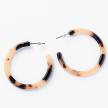New Fashion Tortoiseshell Stud Earrings for Women Round Acrylic Statement Elegant Jewelry Accessories Gifts Wholesale