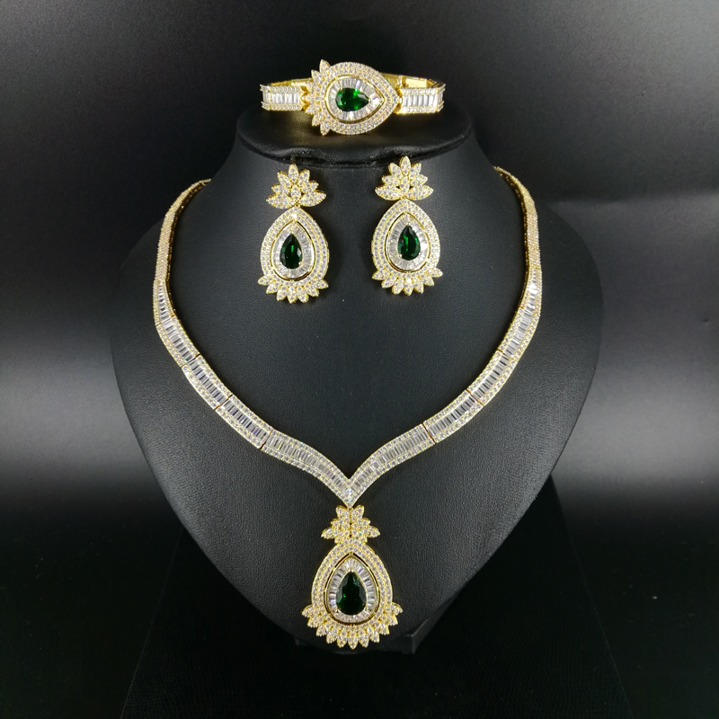 2018 new fashion green red water drop CZ zircon golden necklace earring bracelet ring set wedding bride dressing jewelry set women s elegant pendant necklace ring w zircon ornament set golden green