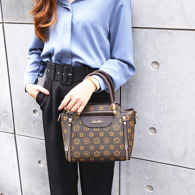 2019 New Designer Shoulder Bag High Quality Handbag Satchel Ladies Crossbody Bags for Women Luxury Brand Messenger Bag in Top Handle Bags from Luggage Bags
