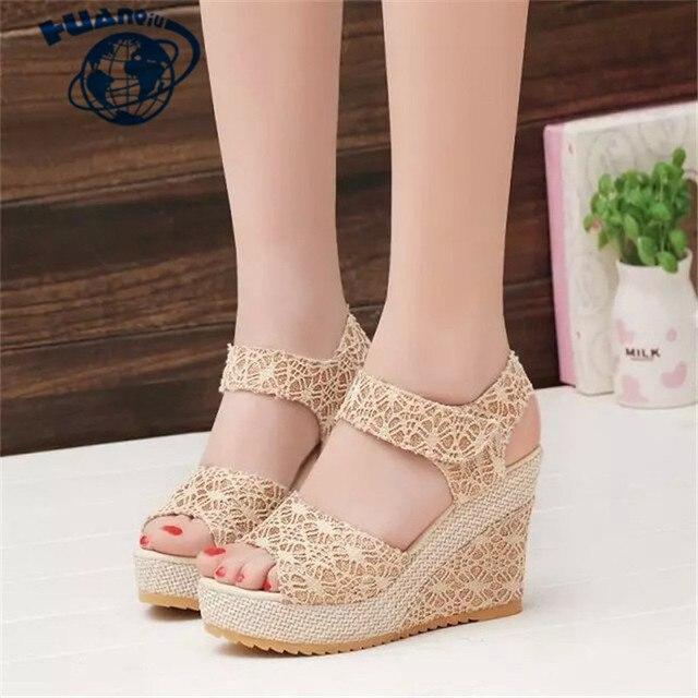 HUANQIU Boyutu 35-40 Kadın Sandalet 2018 Yaz Yeni Burnu açık Balık Kafası Moda platformu Yüksek Topuklu Kama Sandalet kadın ayakkabısı JDD52