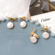 Unique metal irregular geometrical contracted knot earrings  fashion pearl earring declaration of girl a birthday present