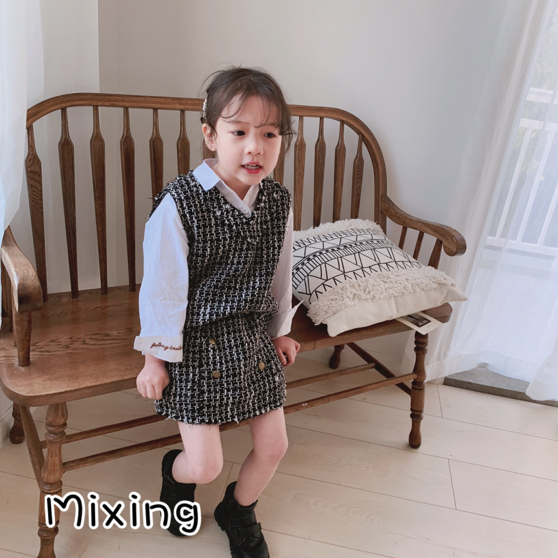 New Spring and Summer of 2019 Female Baby Boy Set Girl Black Small Skirt SetNew Spring and Summer of 2019 Female Baby Boy Set Girl Black Small Skirt Set
