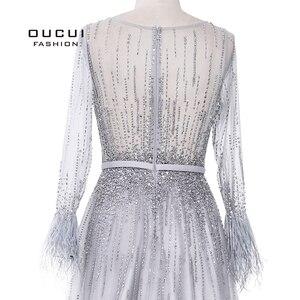 Image 5 - Splitter Grau Langen Ärmeln Abendkleider Arabisch Handgemachte Perlen Federn Illusion Zurück Mode Robe De Soiree 2019 OL103493