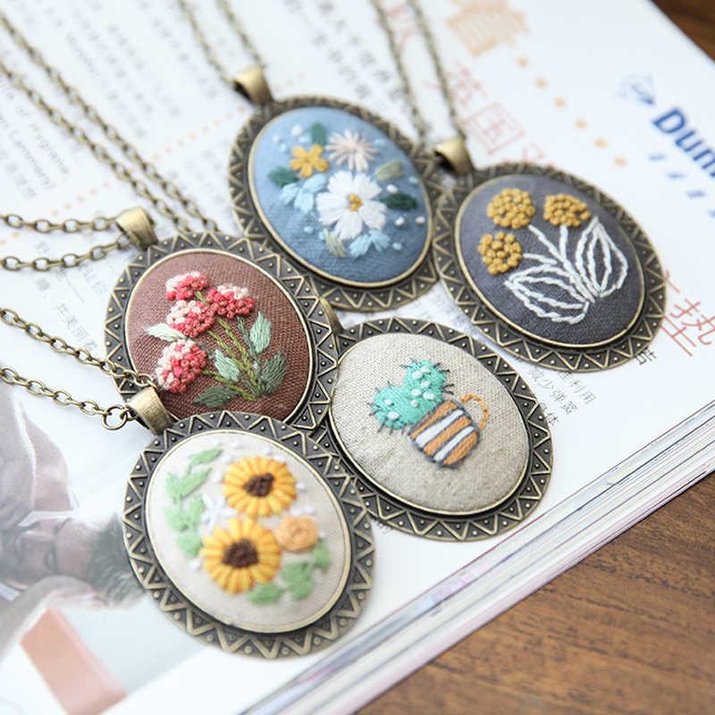 DIY Stickerei Anfänger Set Pre-Gedruckt Hand Floral Muster Europäischen Retro Kreuz Stich Kit mit Hoop Halskette Anhänger
