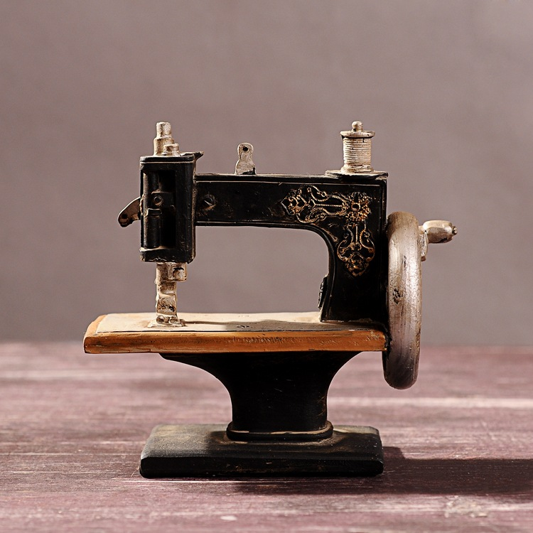 Free shipping vintage style resin sewing machine mold old for Best home decor sewing machine