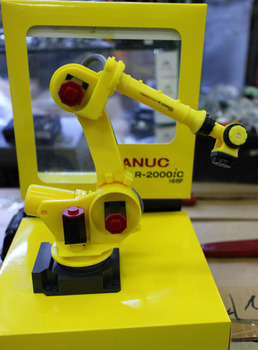 Exquisito Robot 3D modelo escala 1:10 FANUC R-2000iC-165F manipulador brazo modelo Vertical...