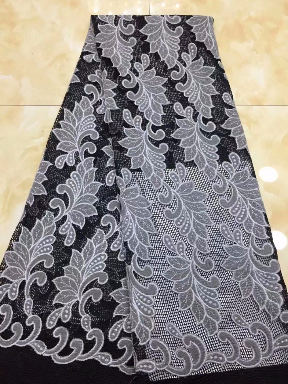 black African Lace Fabric 2018 High Quality African Tulle Lace Fabric With nice Velvet French Net