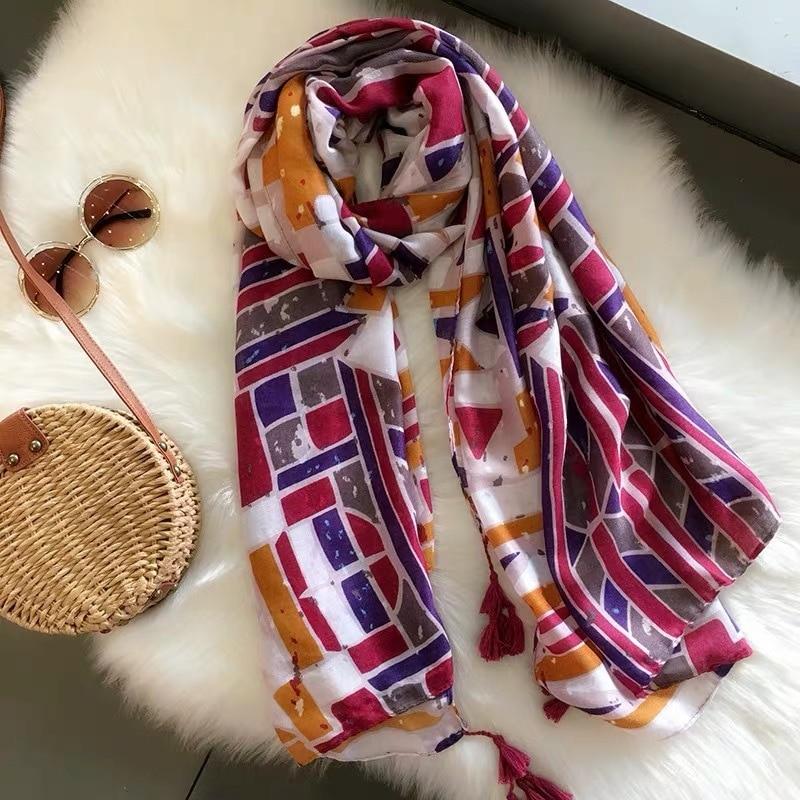2019 New Fashion Geometry Tassel   Scarves   And Shawl Women Gold Foil Geometric Print   Scarf     Wrap   Hijab Muffler 10Pcs/LOT