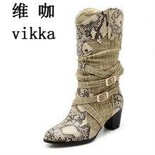 Для женщин зимние ботинки леди западные ковбойские ботинки со змеиным принтом до середины икры Снегоступы Обувь Женская обувь; Botas Mujer ботинки на меху